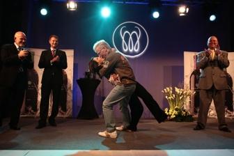W akcji podczas otwarcia MonaVie w Polsce