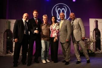 Od lewej: Yona Fichman, Radosław Baszyński, Brig i Lita Hart, Dallin Larsen, Randy Schroeder