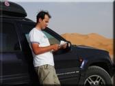 Piotr Witkowski w trakcie podróży przez Saharę, źródło: www.englishforyou.pl